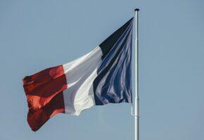 Французский флаг: Факты о франции и французском языке